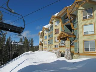 Amazing Condo with 3 Bedroom, 3 Bathroom in Big White (#401 - 215 Kettle View Road LEGCY401) - Big White vacation rentals