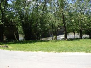 River Front Home - Hot Tub, Sauna, Walk to Town!!! - Hot Springs vacation rentals