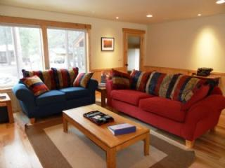 Pine Needle Meadows **DOG FRIENDLY** - Truckee vacation rentals