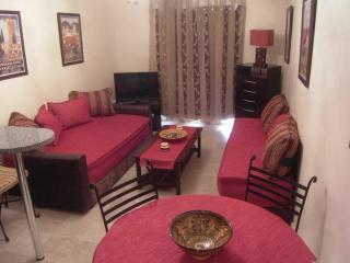 Gueliz central wifi pool parking pick-up included - Marrakech vacation rentals