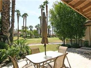 Golf Membership! The Lakes CC- Delightful Condo (KS829) - Palm Desert vacation rentals