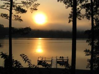 Lake Sinclair A-frame, Wi-Fi, Waterfront 3Bed/2BA - Eatonton vacation rentals