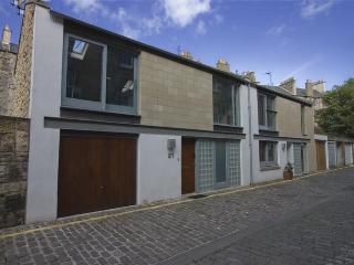 Large Holiday House in Edinburgh Sleeps 9 - Edinburgh vacation rentals