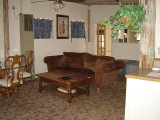 Kern Bunkhouse,Call for availability 800 888 8194 - High Sierra vacation rentals