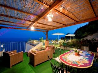 APPARTAMENTO BLUE MOON - AMALFI COAST - Praiano - Sorrento vacation rentals