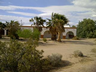 RANCHO MESA - Joshua Desert Retreats - Joshua Tree vacation rentals