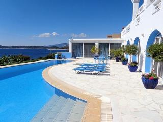 HAVE A VACATION OF A LIFETIME--Come to Greece, stay with us on the Aegean Sea - Schinias,marathon vacation rentals