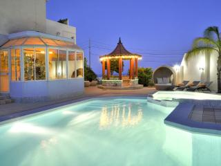 Five star private holiday villa in sunny Malta - Island of Malta vacation rentals