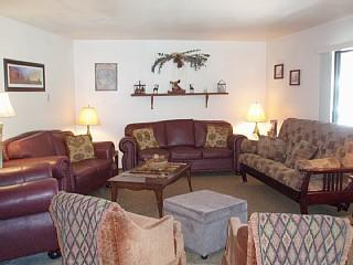 Large living room with full size futon - Newly Remodeled Condo 1 block from Giant Steps Resort Sleep up to 14 - Brian Head - rentals