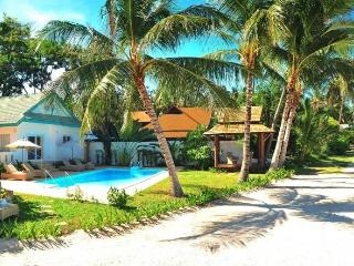 Baan Rim Haad Luxury Beachfront Villa - Koh Samui vacation rentals