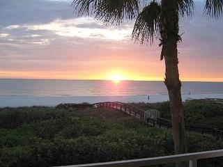 SPECIAL 9/28-10/31 now $850wkly was $1850 on Beach - Image 1 - Marco Island - rentals