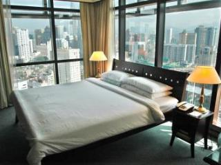 Times Square- KL City Service Suite near TwinTower - Wilayah Persekutuan vacation rentals