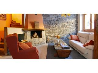 Dera Nheu 1 | Perfect for families or groups of friends - Province of Lleida vacation rentals