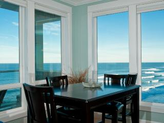 Oceanfront Luxury Condos-Private Hot Tubs-Pool - Depoe Bay vacation rentals