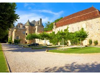 Honeymoon Gatehouse - Limousin vacation rentals