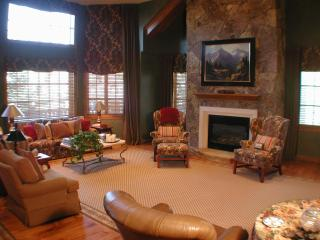 1505 The Chateau - 3 Bedroom Luxury Condominium - Beaver Creek vacation rentals