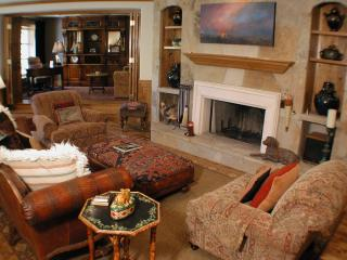 208 The Chateau - 3 Bedroom Luxury Condominium - Beaver Creek vacation rentals