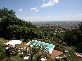 Luxury villa, panoramic Pool, A/C, walking village - Casciana Terme vacation rentals