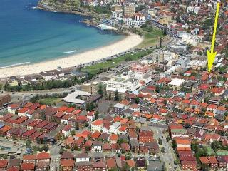 Just a very short, level stroll to Bondi Beach! - Sydney Metropolitan Area vacation rentals