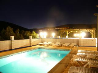 Group Villa 20 Seasonal Heated Pool,Hot Tub,wifi, - Iznajar vacation rentals