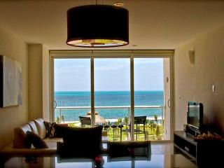 VERY SPECIAL RATES FOR THE SUMMER !!! $ 150.00 USD - Cancun vacation rentals
