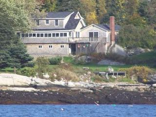 ATLANTIC SUNSET| SPRUCE POINT I| OCEAN FRONT, BEACH! - East Boothbay vacation rentals