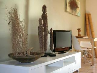 Port Douglas on Macrossan - Asian Contemporary - Port Douglas vacation rentals