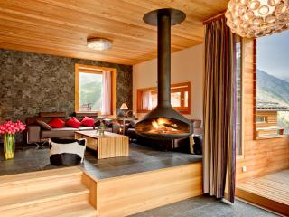 Chalet Chloe - Catered - independent freestanding - Saas-Fee vacation rentals