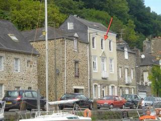 Charming 2 bedroom apartment in Dinan (B006) - Brittany vacation rentals