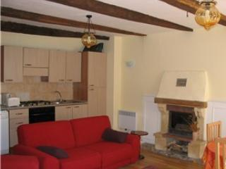 Picturesque 2 Bd Gite in medieval Dinan (B010) - Brittany vacation rentals