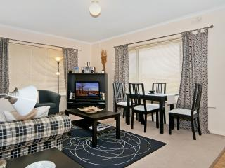 Adelaide Near Western Beaches - 2 Bed at Fulham - South Australia vacation rentals