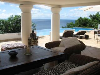Spacious villa offering wonderful views over the south side of the island WV JBA - Lurin vacation rentals