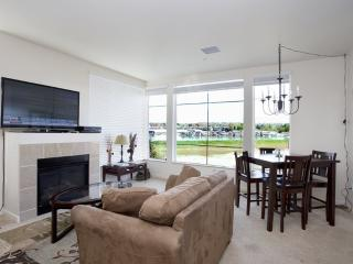 Luxury 2BD/2BA condo w/ Columbia River views - Portland vacation rentals
