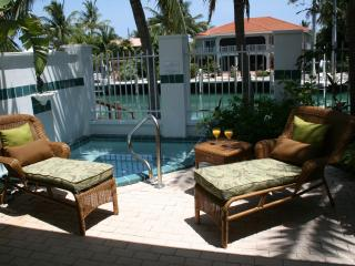 VILLAGE HAWK'S CAY Spa Villa - Duck Key vacation rentals