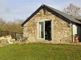 NOXON POND COTTAGE, pet friendly, character holiday cottage, with a garden in Bream, Ref 4443 - Bream vacation rentals