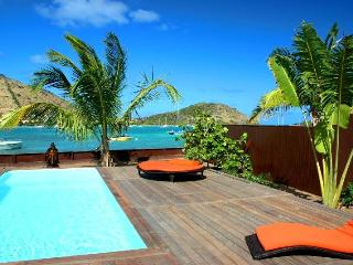 Private beach, stylish 3 BR villa, View Pinel Isle - Nettle Bay vacation rentals
