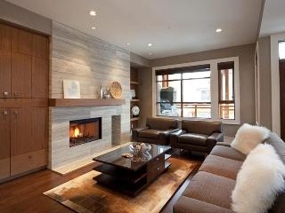 Deluxe 4 bedroom Whistler Townhome - Whistler vacation rentals