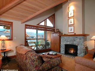 Montebello Chalet - 4 bedrooms - Whistler vacation rentals