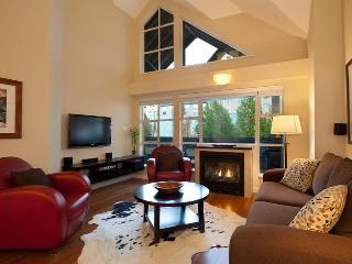 Glacier Lodge Ski In/Out One Bedroom & Loft - British Columbia Mountains vacation rentals