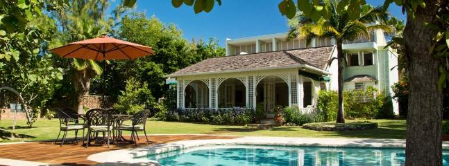 - Seagrapes - Jamaica - Discovery Bay - rentals