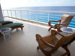 Nah ha#702 fabulous condo in pristine conditions! - Cozumel vacation rentals