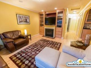 1440 Beach Dr - Peeks of Ocean- 200ft to Beach - Seaside vacation rentals