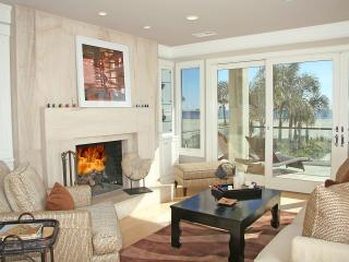5 Bedroom Seal Beach Beachfront Estate With Pool - Seal Beach vacation rentals