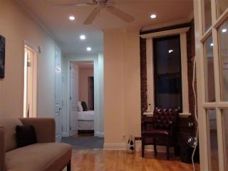 Cozy 2 Bedroom Apt. Manhattan East 20s - 1st Arrondissement Louvre vacation rentals