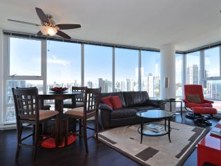Downtown Vancouver 2 Bedroom Condo With Awesome Views of City and Mountains - Vancouver vacation rentals