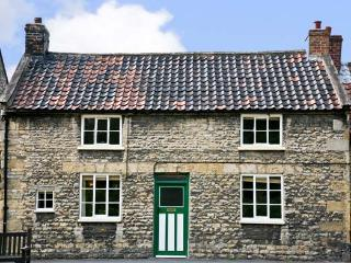OLD SCHOOL HOUSE, family friendly, character holiday cottage, with open fire in Thornton-Le-Dale, Ref 4468 - Yorkshire vacation rentals