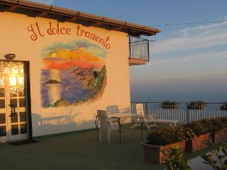 TRAMONTO - 2 Bedrooms - Furore - Amalfi Coast - Massa Lubrense vacation rentals