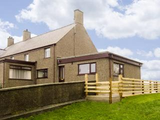 FFORDD DEG DDU, family friendly, country holiday cottage, with a garden in Beaumaris, Ref 4442 - Beaumaris vacation rentals