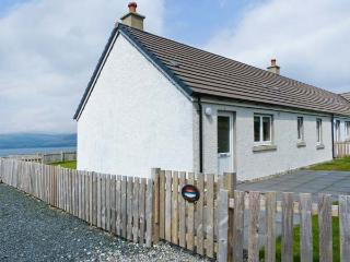 SUNSET COTTAGE, pet friendly, country holiday cottage, with a garden in Salen, Ref 4435 - The Hebrides vacation rentals