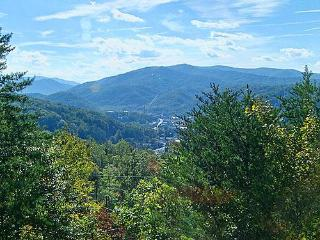 #1SENSATIONAL VIEW-1.2 Miles to G/B 20% Off Rates! - Gatlinburg vacation rentals
